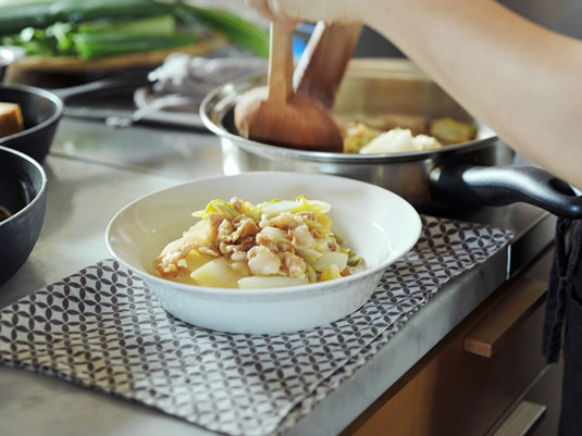 シャキッと食感「白菜と豚バラ肉の炒め煮」[毎日のお助けレシピ 万能甘酢編 vol.3/4]