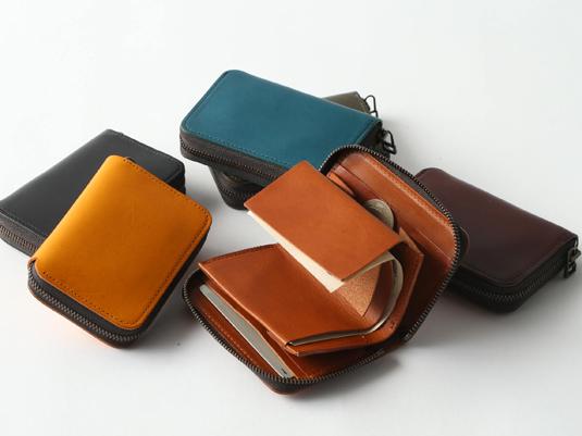 「お札を折る」そのひと手間を解消したミニ財布