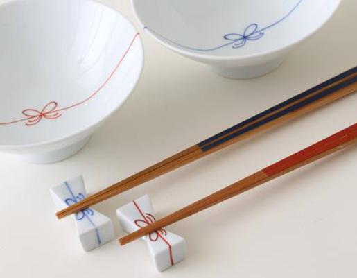 美しく使いこなす【箸/chopsticks使いのマナーを再確認】