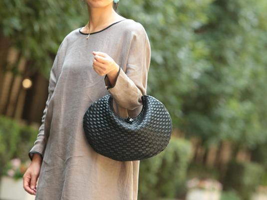 バッグと小物使いでいつものスタイルをクラスUPしてみませんか?