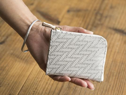 ここの2センチ!POMTATAのミニ財布が小さくても使いやすい秘密