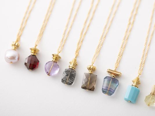 天然石がふたたび勢ぞろいで20種類!香水瓶ネックレス