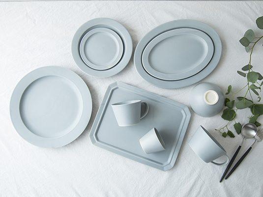 美しく繊細な形と色で、料理を引き立てる「SAKUZAN」のSARAシリーズ