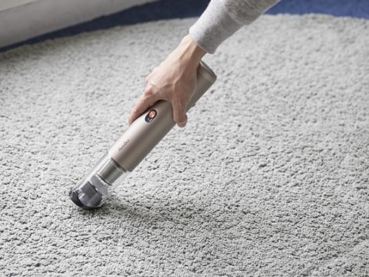 フローリングをさらさらに。夏の床掃除を楽にしてくれるアイテム4選