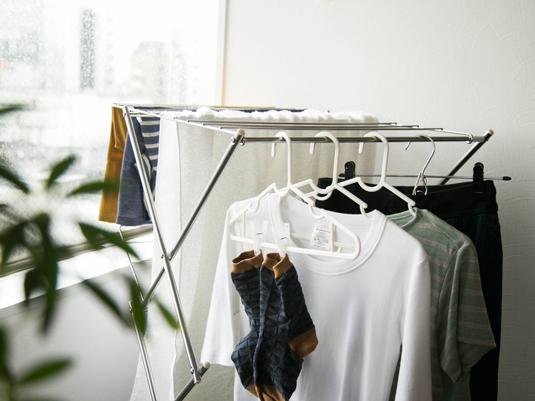 雨が多い時期のお洗濯を快適に。部屋干しのお悩みを解消するアイテム
