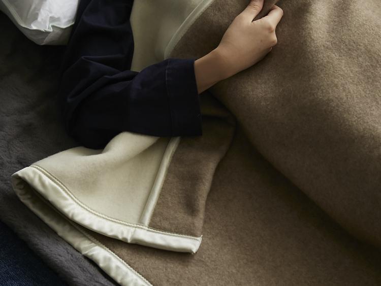 つかい手絶賛!質もコスパも最強のカシミヤウール毛布