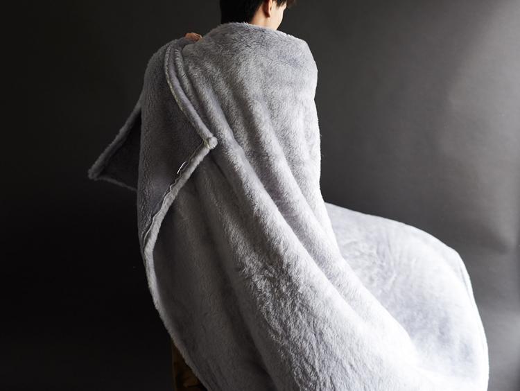 これはお買い得!ウール両面起毛なのに家で洗える毛布