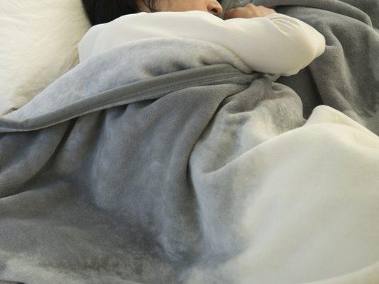 快適に眠るための、寝心地の良いブランケットの選び方
