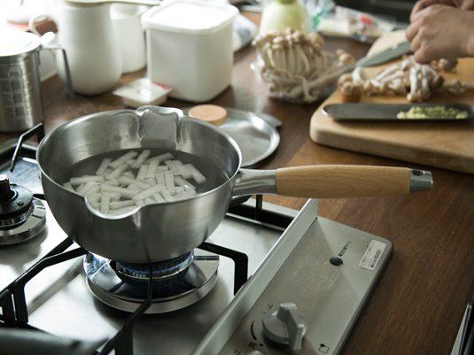 毎日のお料理をもっとラクに、楽しく。片手鍋の選び方
